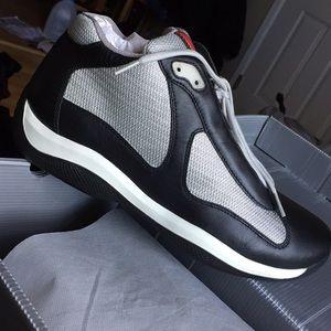 Prada Sneakers. Clazature Uomo
